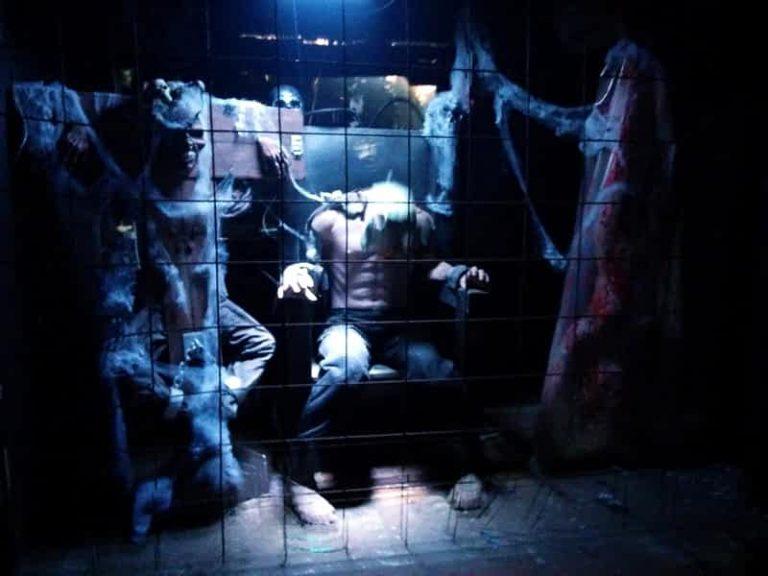 horror amusements: ghost train stunts